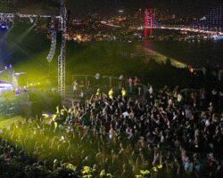 Üsküdar'da yaz coşkusu muhteşem konserlerle devam ediyor